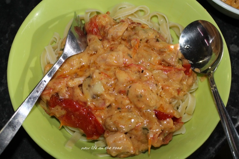 Munching Monday Sundried Tomatoes Chicken Pasta