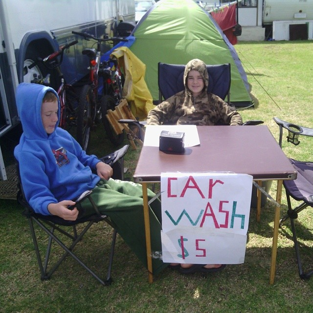 Kyle and Cameron car wash sale